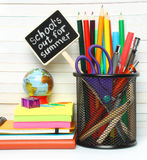 Artigos de papelaria da secretaria da escola Fotos de Stock