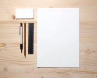 Artigos de papelaria em branco fotografia de stock