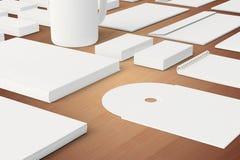 Artigos de papelaria vazios e molde incorporado da identificação Imagem de Stock