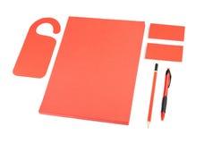Artigos de papelaria vazios no fundo branco Consista em cartões, Foto de Stock