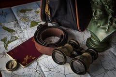 Artigos do curso para planejar uma viagem fotografia de stock