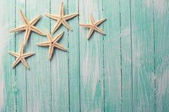 Artigos marinhos no fundo de madeira Fotos de Stock