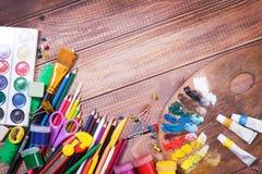 Artigos para a faculdade criadora das crianças imagens de stock royalty free