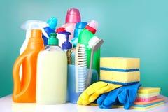 Artigos sanitários da limpeza do agregado familiar, fontes domésticas Imagem de Stock Royalty Free