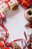 Artigos temáticos do Natal no fundo de madeira branco Imagens de Stock Royalty Free