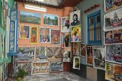 ARTIGOS VELHOS DO TURISTA DE CUBA HAVANA foto de stock royalty free