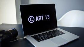 Artikel 13 het amendement bij de EU-wetgeving verbood media materialen op Internet stock afbeelding