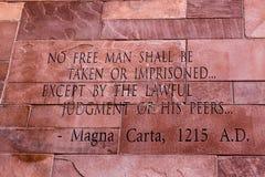 Artikel van Magna Carta-tekst royalty-vrije stock afbeeldingen