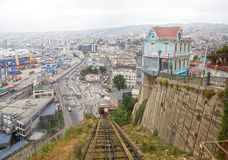 Artilleriakabelbanen in Valparaiso, Chili Royalty-vrije Stock Afbeeldingen