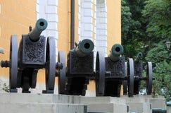 Artilleriekanonen Stockfotos