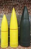 Artilleriprojektilar: 10 tum, 12 flytta sig mycket långsamt, och 16 flytta sig mycket långsamt Armor Piercings Royaltyfria Foton