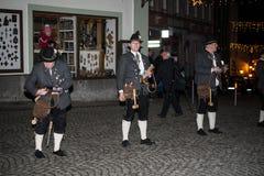 Artilleros bávaros que se preparan para saludar el Año Nuevo Fotografía de archivo libre de regalías