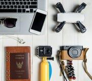 Artilugio de alta tecnología del blogger del viaje de la tecnología Fotografía de archivo libre de regalías