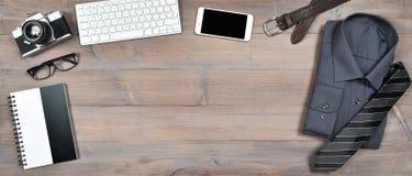 Artilugios digitales de los accesorios para el hombre Teléfono, teclado, cámara Fotografía de archivo