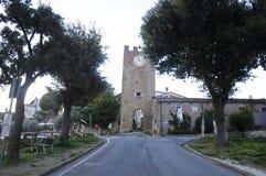 Artimino历史的村庄的入口在佛罗伦萨附近的 库存图片