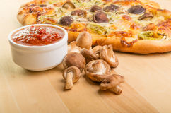 Artisan mushroom fennel pizza Royalty Free Stock Photography