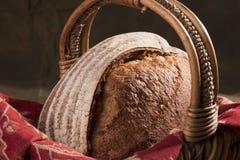Artisanaal Brood in een Mand 3 Royalty-vrije Stock Afbeeldingen