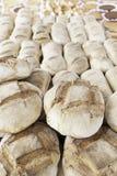 Artisanaal brood in een markt Royalty-vrije Stock Afbeelding