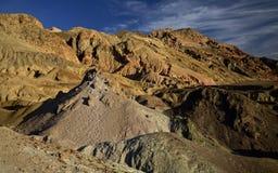 Artist& x27; s Prowadnikowe Kolorowe skały, Śmiertelna dolina Obraz Royalty Free