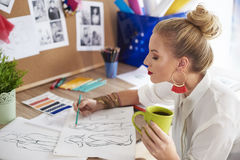 Artist woman working at the workshop Royalty Free Stock Photography