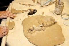 Artista che lavora con l'argilla Fotografia Stock Libera da Diritti