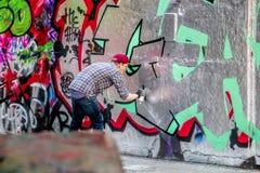 Artista de la pintada, arte de la calle Imagenes de archivo