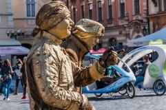 Artista della via a Tow Square anziano a Praga Fotografie Stock Libere da Diritti