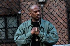 Artista hip-hop Divine che posa durante la video produzione fotografia stock libera da diritti