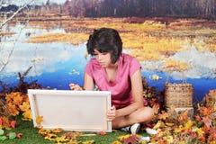 Artista joven en la caída Foto de archivo libre de regalías