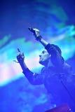 Artista que canta en la etapa Foto de archivo