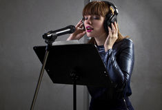 Artista Singing de la música Foto de archivo