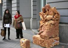Artistas de la calle como estatua fotos de archivo libres de regalías