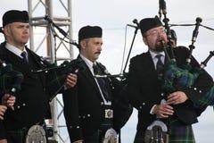 Artistas del funcionamiento, orquesta,  instrumentos musicales nacionales escoceses del conjunto Fotos de archivo