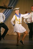 Artistas del funcionamiento, solistas de los soldados y bailarines de la canción y conjunto de la danza del distrito militar del  Imagen de archivo