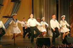 Artistas del funcionamiento, solistas de los soldados y bailarines de la canción y conjunto de la danza del distrito militar del  Fotografía de archivo libre de regalías