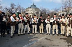 Ejecución tradicional rumana de los artistas de la música Fotos de archivo libres de regalías