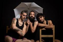 Artistas y amigos del circo que se divierten Imagen de archivo libre de regalías