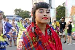 Artiste dans le défilé de danse de rue photographie stock libre de droits