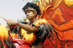 Artiste dans le défilé de danse de rue images libres de droits