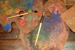 Artiste de palettes sur la table Photographie stock