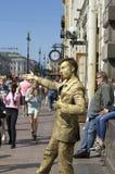 Artiste de rue comme statue vivante photo libre de droits