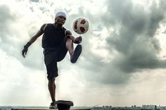 Artiste de style libre du football Photos libres de droits