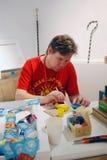 Artiste Denis Sychev à 6ème Moscou Biennale d'art contemporain Photographie stock libre de droits