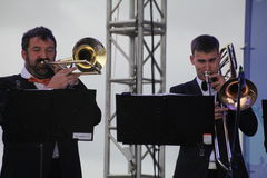 Artistes d'interprétation, orchestre, ensemble de laiton de kronwerk d'instruments de vent Images stock