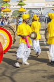 Artisti indiani che giocano i tamburi tradizionali Fotografia Stock Libera da Diritti