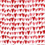 Artistiek naadloos patroon met waterverfhand getrokken die harten op witte achtergrond wordt geïsoleerd stock illustratie