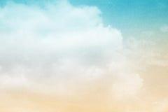 Artistieke hemel en wolk met de kleur van de pastelkleurgradiënt Royalty-vrije Stock Foto
