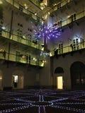 Artistieke verlichting en binnenplaats in Turijn, Piemonte stock foto