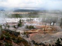 Artists& x27  Άποψη Paintpots σε Yellowstone Στοκ Εικόνες