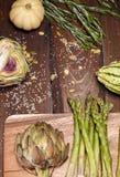 Artochoke和aspargus 免版税图库摄影